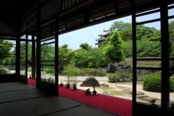 中秋の名月の日に旧近衛邸にて野点を行います。月に照らされる日本庭園を眺めながら。