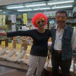 守口市の土居地区商店街では毎週土曜日11時〜12時に『かぶりもの笑店街』を開催中