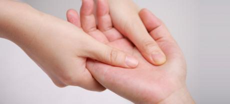 1月22日 10:00から おやこリトミックとママへのアロマハンドマッサージがあります!
