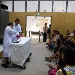 夏休みイベント「サイエンスショー化学反応!」